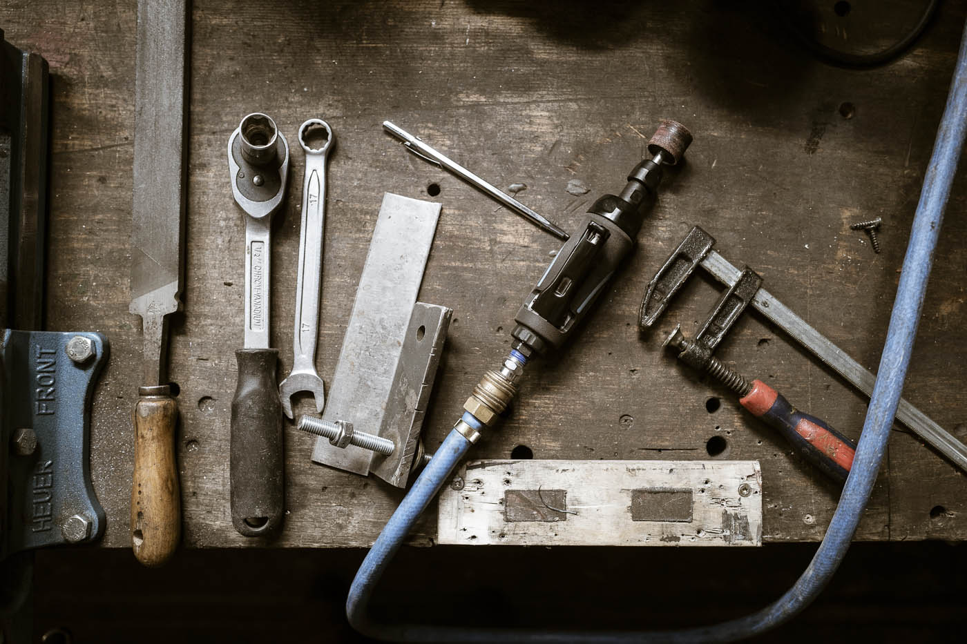 Das Werkzeug des Messer-Schmiedes